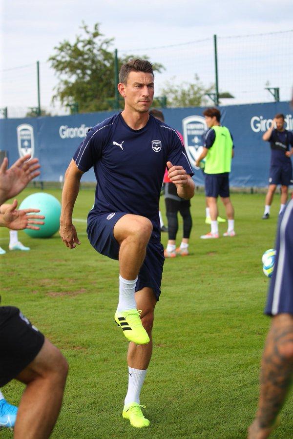 #TransferNews: Koscielny Leaves Arsenal To Join Bordeaux