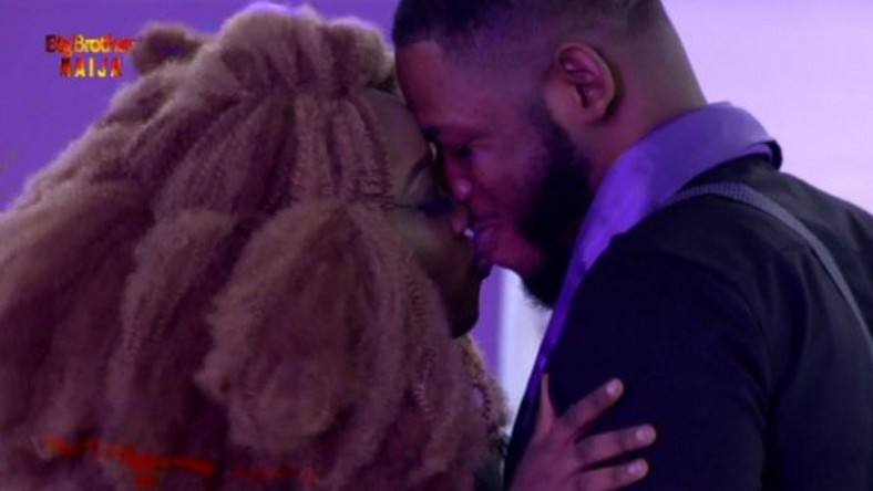 Esther kissed Frodd Passionately At The #Bet9jaBBN Grand Finale {Video}