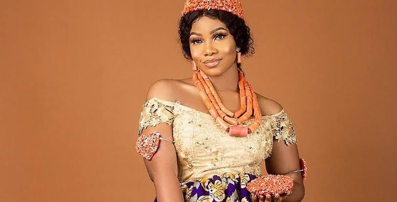#Bet9jaBBN: Tacha Tells Fans To Vote For Her Favourite Yellow Chair